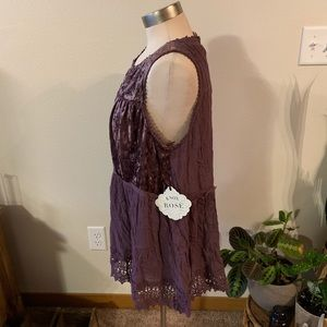 Knox Rose Tops - NWT • purple velvet embroidered lace tank